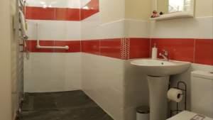 R7 - wet room bathroom